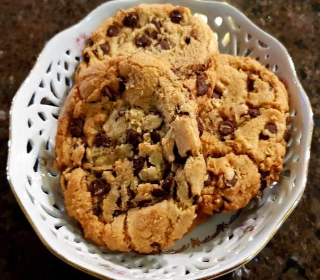 https://kamahi.co.nz/wp-content/uploads/Chocolate-chip-cookies.jpg