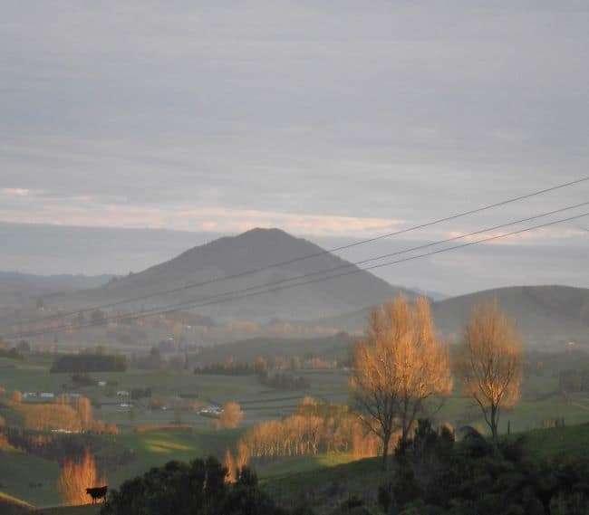 https://kamahi.co.nz/wp-content/uploads/Winter-panorama-from-Kamahi-Cottage.jpg